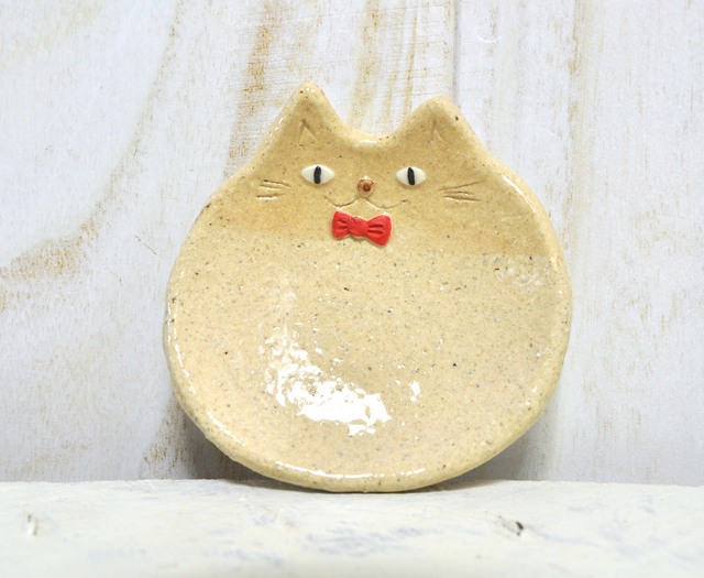 ねこの小皿 〜蝶ネクタイ〜