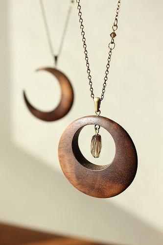 木のネックレス サークル ウォールナット