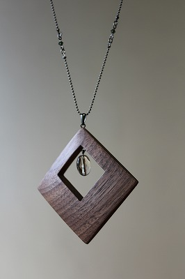 木のネックレス スクエア ウォールナット