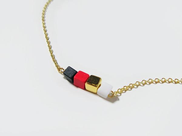 (再販)4つのキューブのネックレス