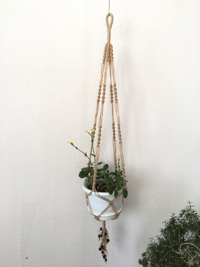 手芸用麻ひもで作ったマクラメ編みプラ...
