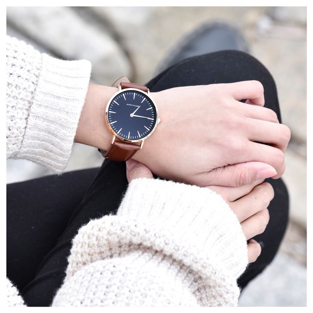 low priced 084bd fd224 【シンプルがおしゃれ】腕時計 シンプル ブラック×ライトブラウン レディース メンズ レザー ベルト交換可能 ペアウォッチ プレセントに