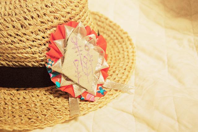 幾何学お花のロゼットブローチ