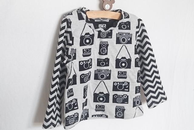 カメラ柄スタンダードTシャツ100