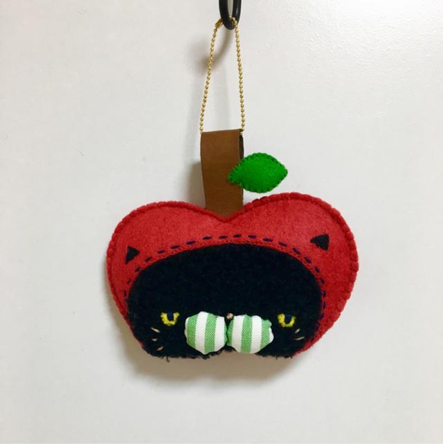 りんごネコやん(バッグチャーム)