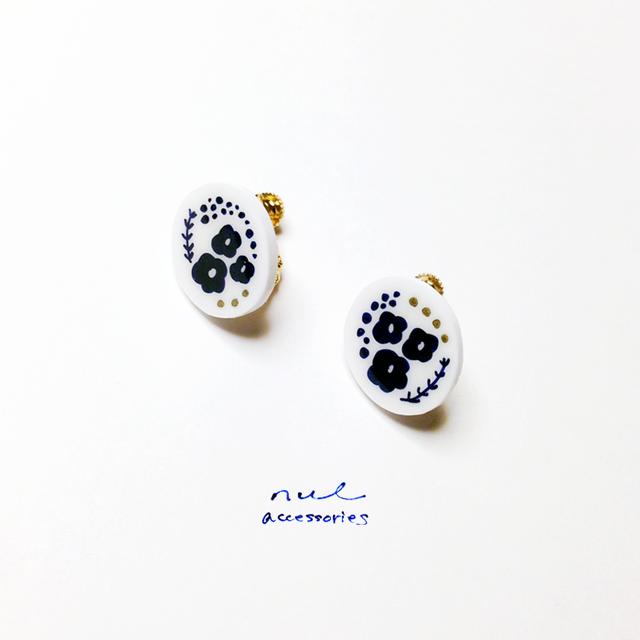 blue flowers ピアス(イヤリング)