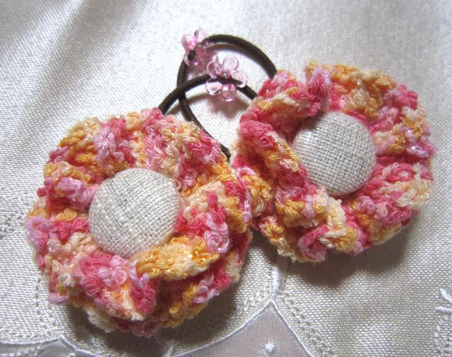 k5 パステルピンクお花のヘアゴム2個 くるみボタンを付けて 子供用