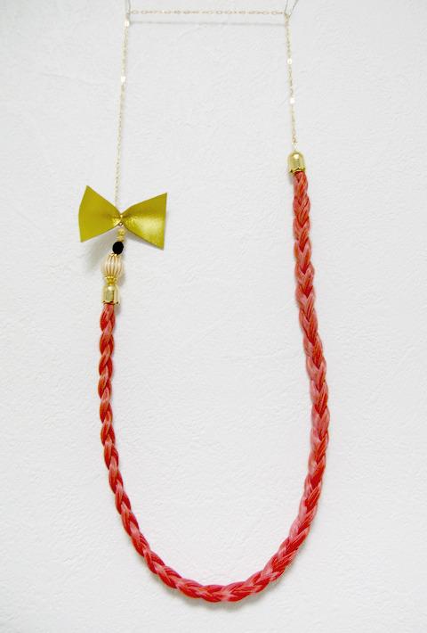 【mさま専用】チェリーピンクの三つ編みネックレス