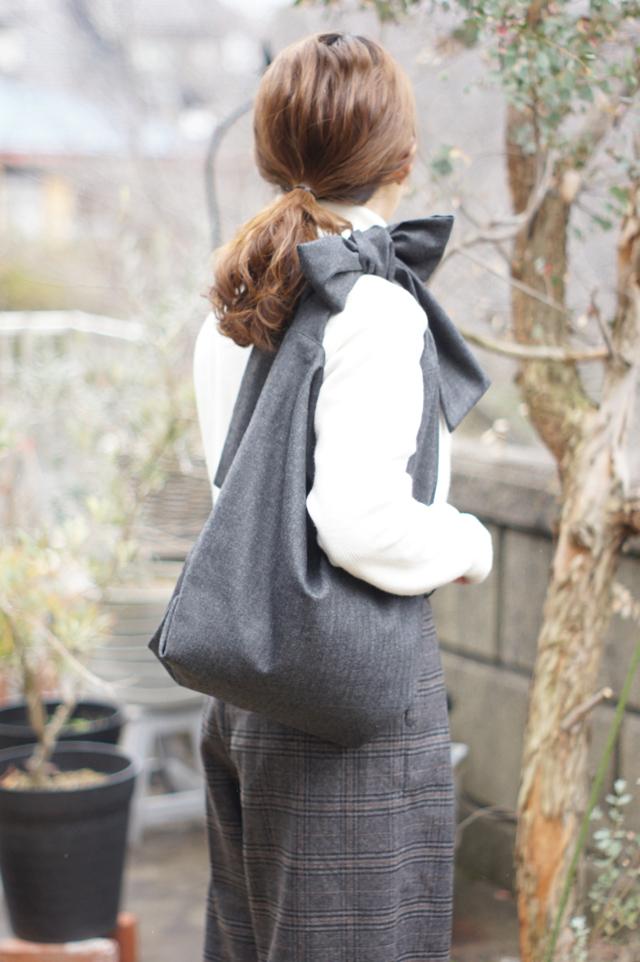 woolのリボンのバッグ(ダークグレー)