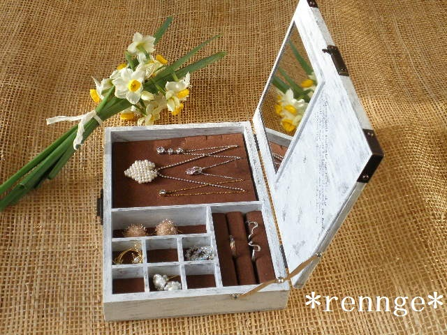 レトロな木製アクセサリーボックス♥