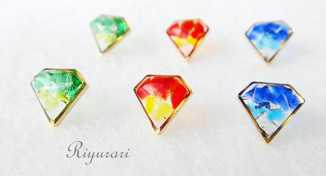 琉球ガラスのダイヤモンドピアス