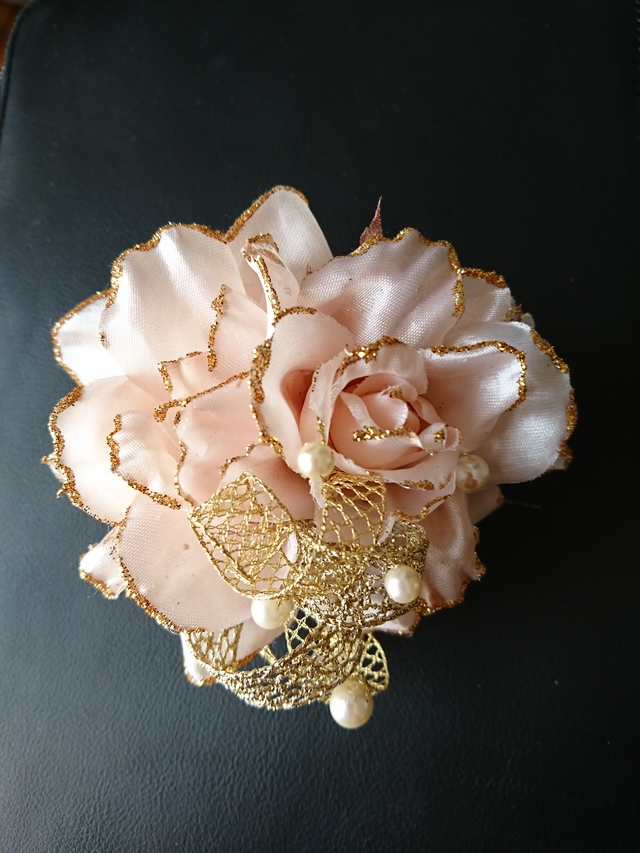 rose corsage (copper pink)