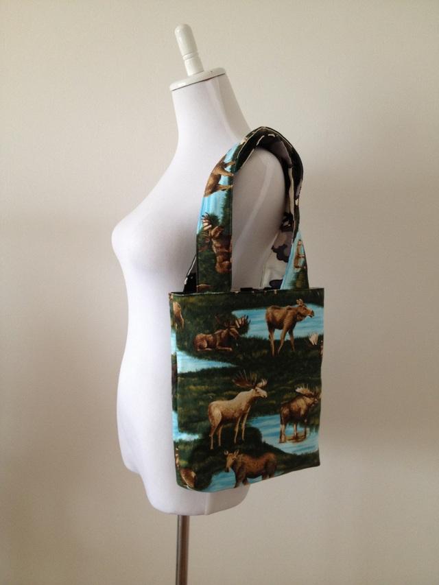 ムースのリバーシブルバッグ