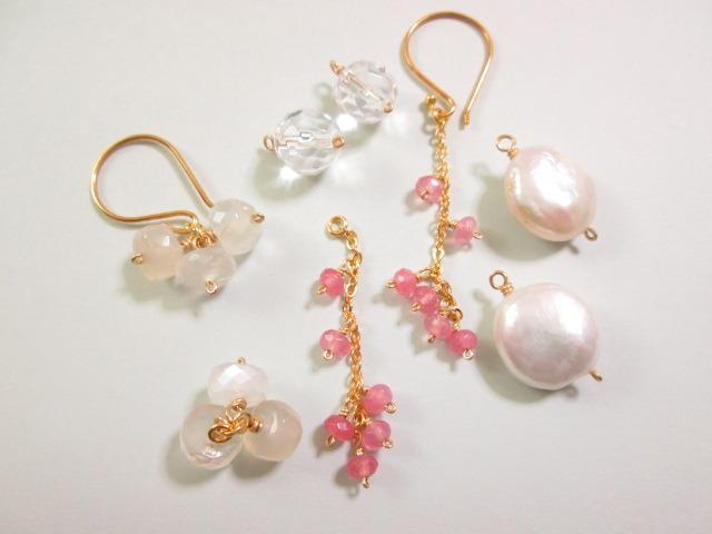 《送料無料》 ホワイト&ピンク ピアス4種のチャームセット