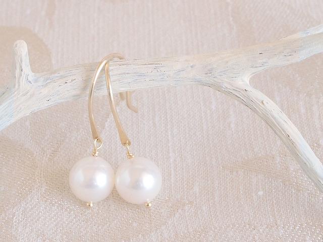 K10 Swing Pearl Earrings