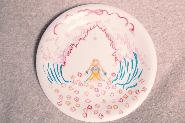 ピンクおさげちゃんのお皿