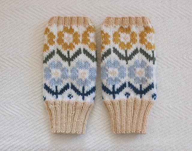 手編みの指なしミトン【満開の花】