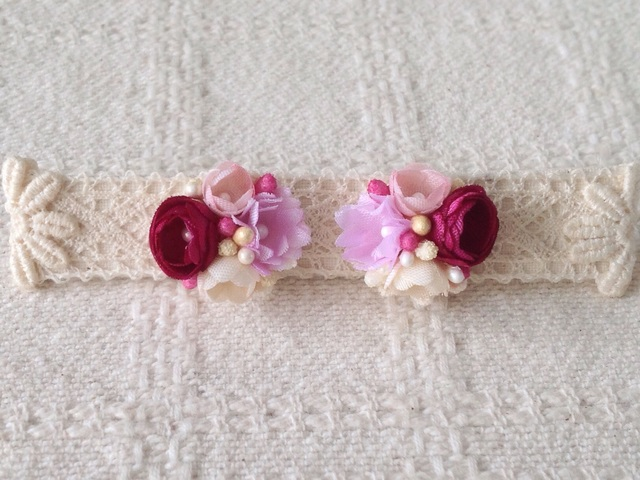小花のくっつきピアス(紅桃&ピンク&オフホワイト)