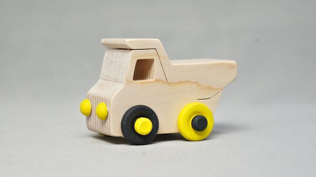 木の車(ダンプトラック)手作りキット