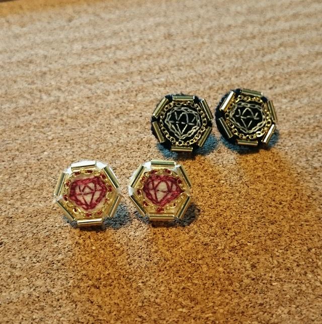 ダイヤモンド 刺繍のピアス