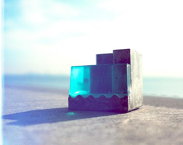 """小さな海のペンスタンド。 """"Pool-B""""(ブルー)"""