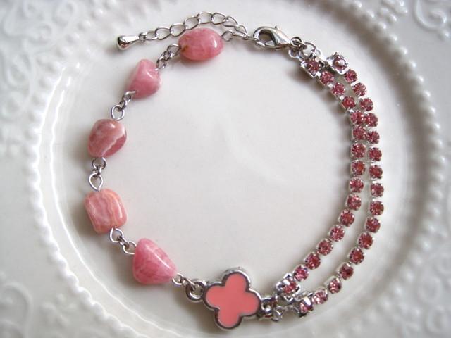 桃の花のブレスレット