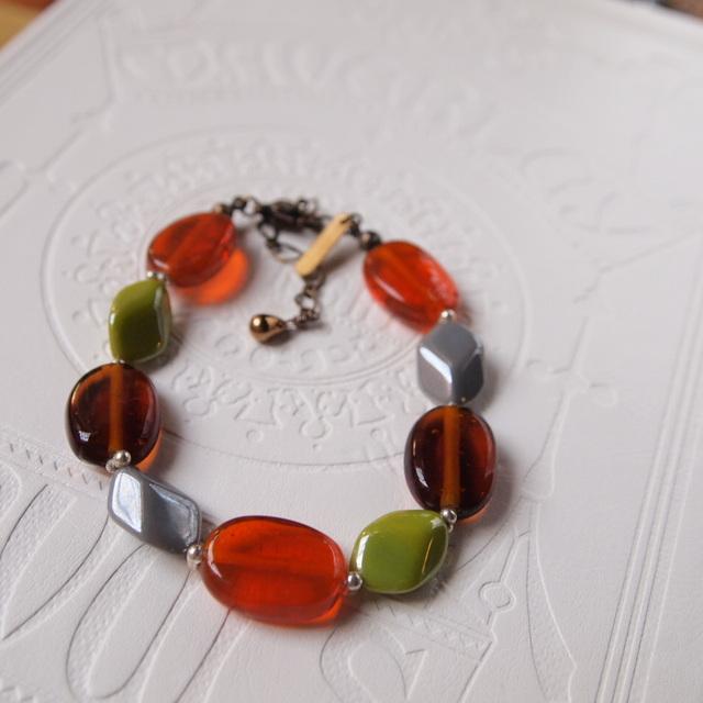 Oval and lozenge bracelet