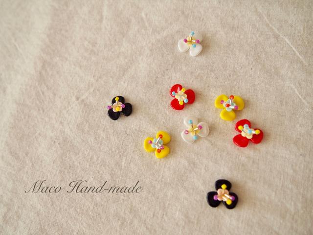 小さなお花のピアス