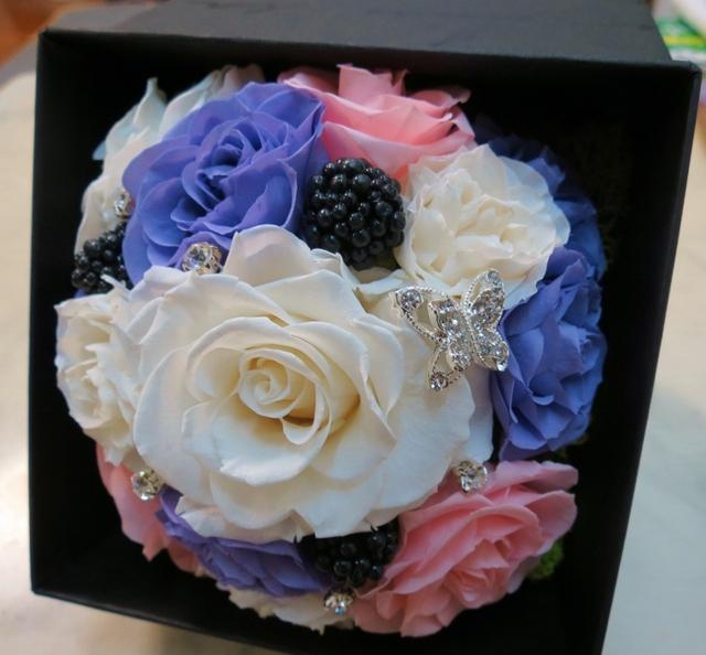 プリザーブドフラワー・ギフトBOX(白、紫、ピンク)