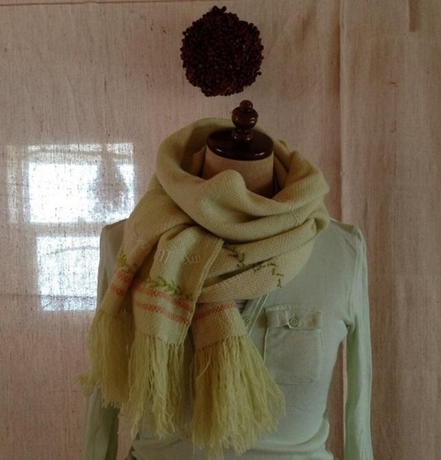 手織り ラムウール&手刺繍のストール