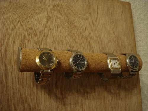 4本掛け壁付き腕時計スタンド