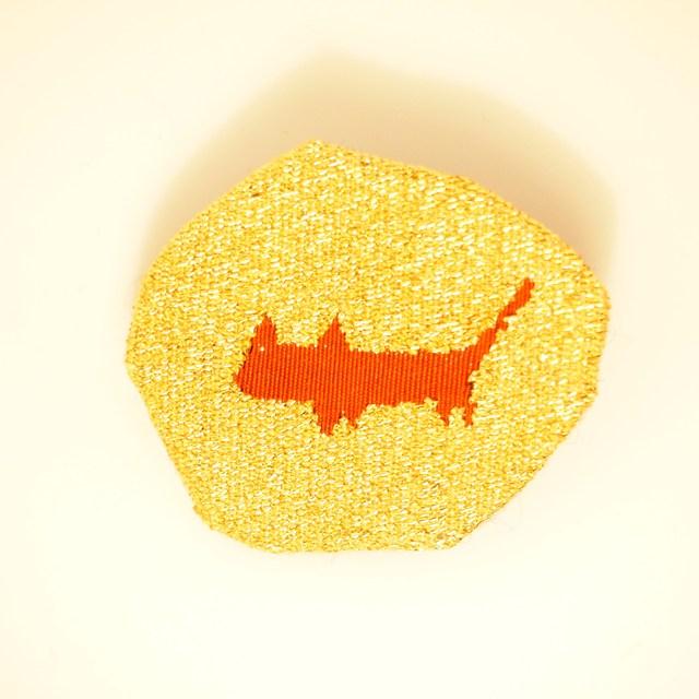 つづれ織り猫さんブローチ・ゴールド