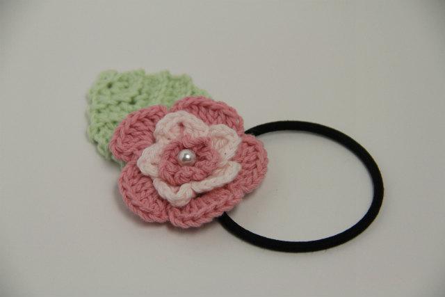 ピンクのお花のヘアゴム