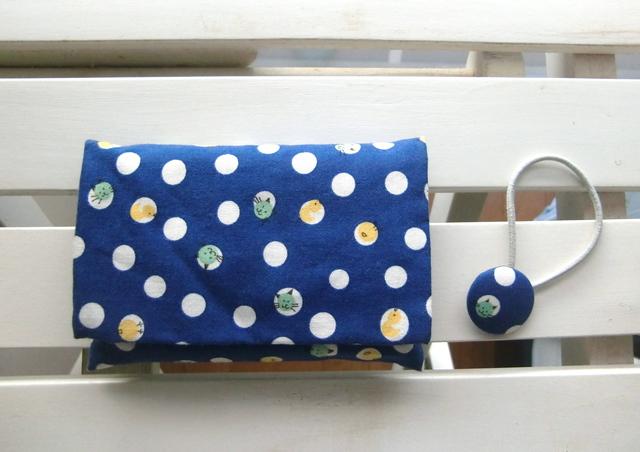 ティッシュケースとくるみボタンのヘアゴム(水玉とネコ)