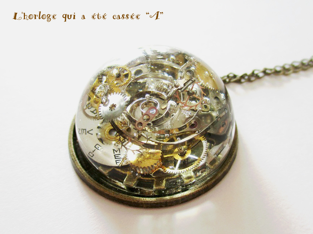 【SALE】「壊れた時計」のペンダント・B