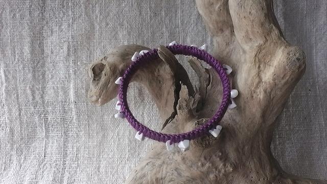 麻の天然石アクセサリー バングル ハウライト(紫)