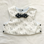 Art Gallery fabric grazing goats×dot tie bib