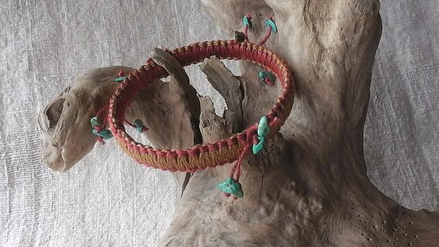 麻の天然石アクセサリー バングル ターコイズ(黄+赤)
