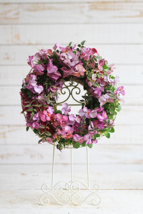 ラブリーピンクのパンジーリース-季節の花の寄せ植え-