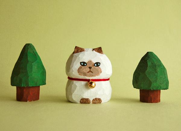 木彫り人形ねこ 白にポイント柄  [MWF-093]