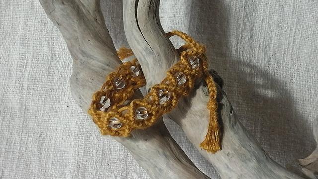 麻の天然石アクセサリー  水晶(黄)