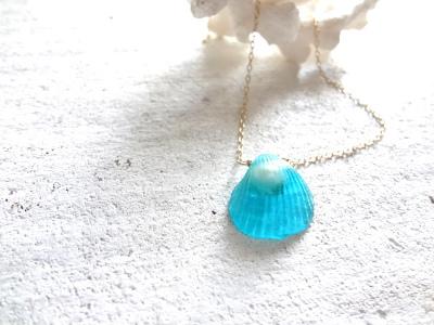 <SOLD> 小さな貝の首飾り オーシャンブルー