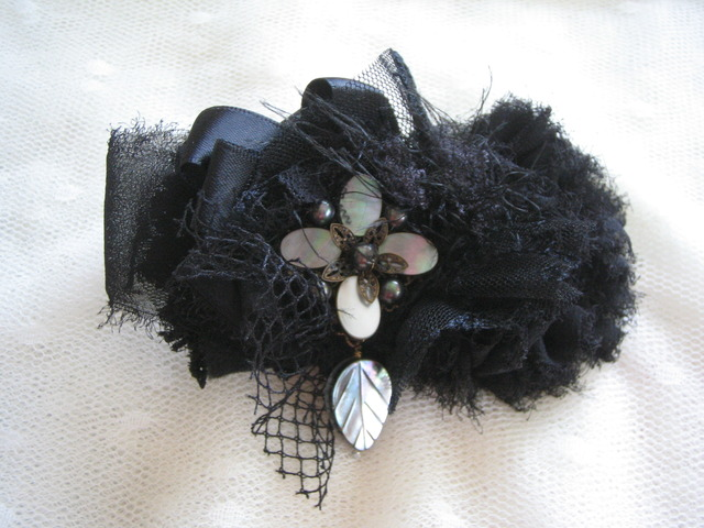 黒蝶貝のコサージュ