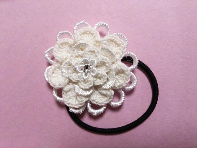 【ハピ☆デコ】手編み花のヘアゴム/ホワイト