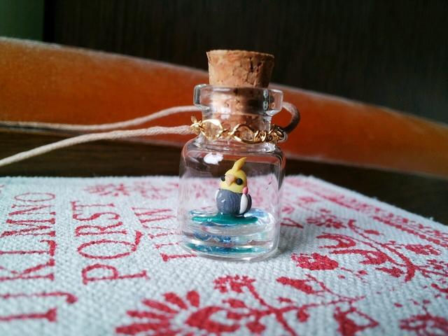 【再販】鳥の小瓶ネックレス オカメインコ ノーマルカラー