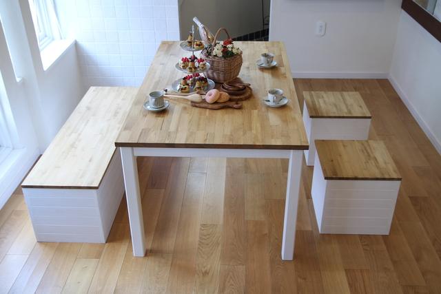 ナチュラルなダイニングテーブル収納付きベンチセット ハンドメイド