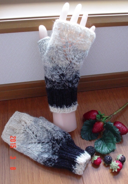 ���ĥ�Υȡ���gradation��Ʃ�������ͤ�Fingerless Mittens