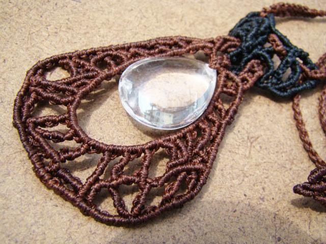 天然石 しずく型水晶 マクラメ編みデザインネックレス