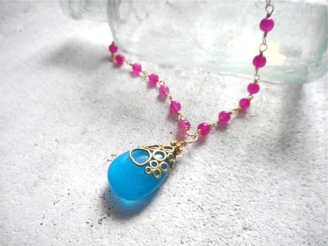海の泡ブルーアゲートドロップ ネックレス pink