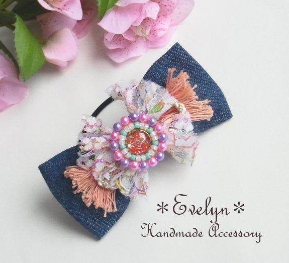 レジンのネオンカラービーズ刺繍とデニムリボンのヘアゴム